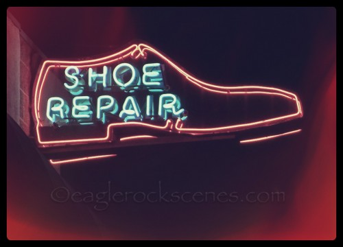 Shoe Repair neon sign