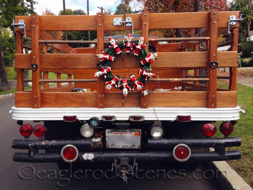 Truck with creepy Santa wreath