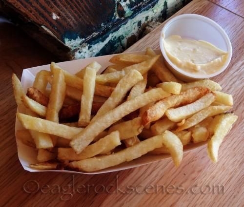 Belgian fries with garlic aioli