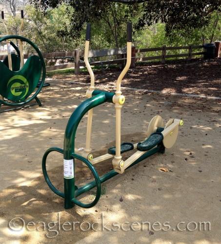 Outdoor elliptical machine