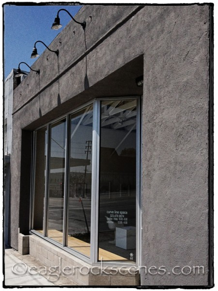 Curve Line Space gallery and frame shop
