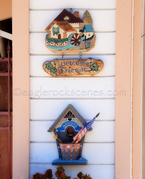 Crafty welcome signs
